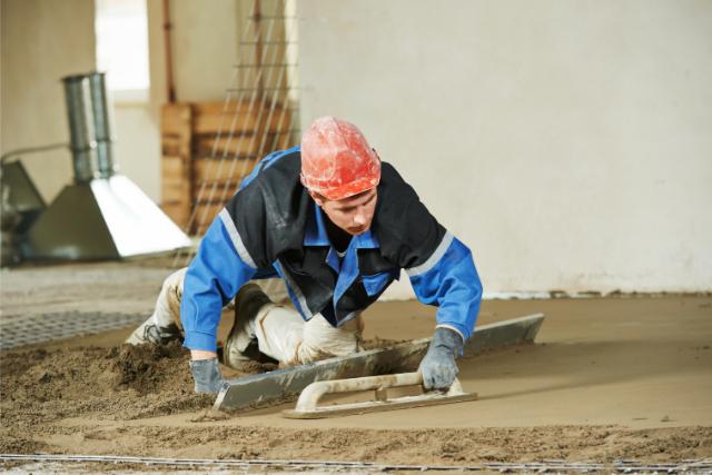 Gresham concrete foundation worker